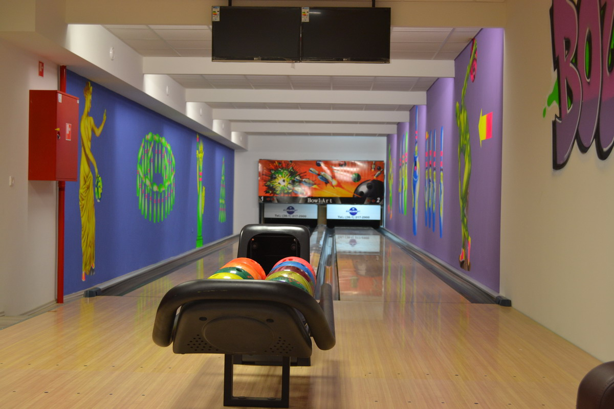Bowling gallery